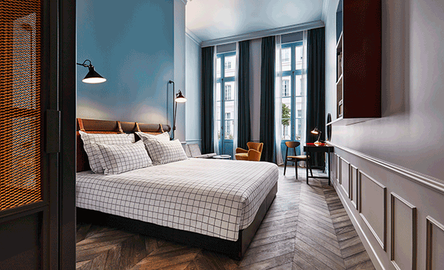 the hoxton paris opens hospitality design. Black Bedroom Furniture Sets. Home Design Ideas