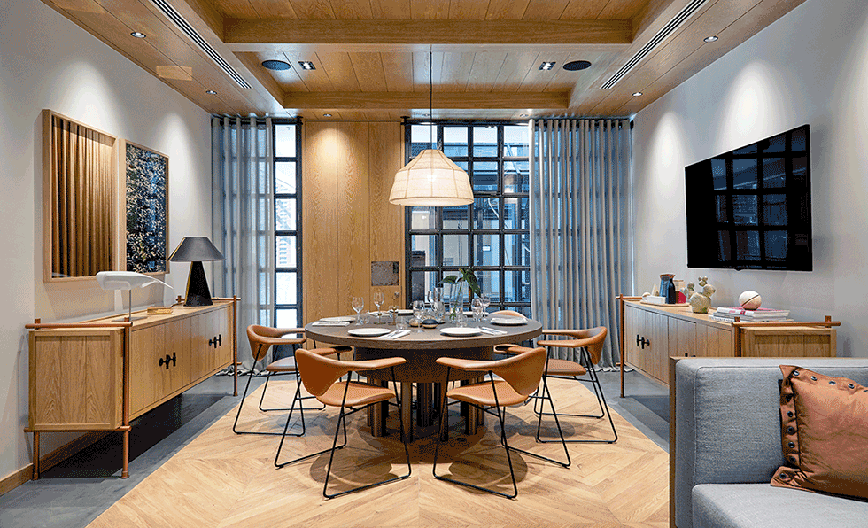 Meeting Rooms Are Light And Airy With Floor To Ceiling Windows A Neutral Color Palette Oak Detailing