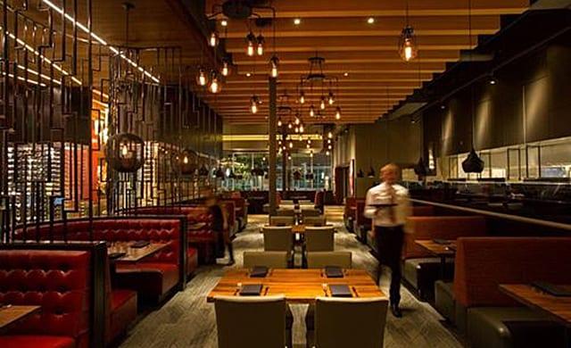 Id Studio 4 Completes Del Frisco S Restaurant In Woodlands Texas